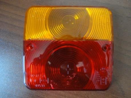 Стекло квадратного заднего фонаря Radex